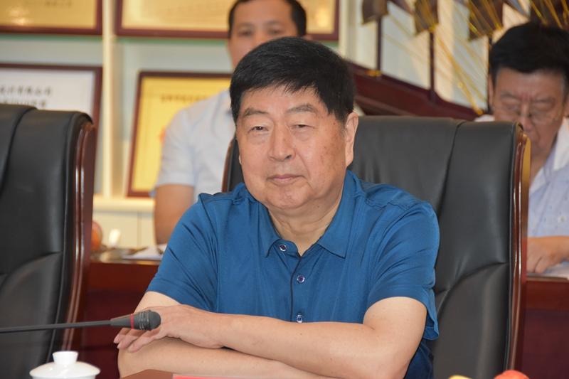 2-公司董事长姚金山代表公司对晋城市规划院领导莅临我院考察交流表示热烈欢迎.jpg